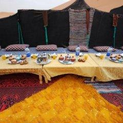 Отель Auberge De Charme Les Dunes D´Or Марокко, Мерзуга - отзывы, цены и фото номеров - забронировать отель Auberge De Charme Les Dunes D´Or онлайн пляж фото 2