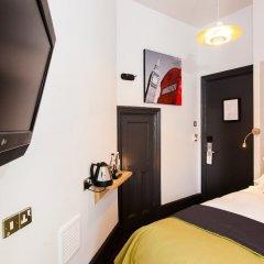 Отель The Wellington Hotel Великобритания, Лондон - 6 отзывов об отеле, цены и фото номеров - забронировать отель The Wellington Hotel онлайн удобства в номере фото 3