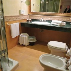 Hellenia Yachting Hotel Джардини Наксос ванная