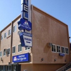 Отель Americas Best Value Inn - Dodger Stadium/Hollywood Лос-Анджелес вид на фасад