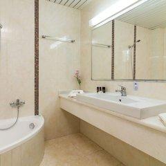 Отель Porfi Beach Hotel Греция, Ситония - 1 отзыв об отеле, цены и фото номеров - забронировать отель Porfi Beach Hotel онлайн ванная