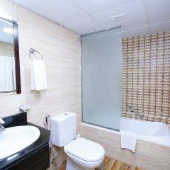 Отель Royal Falcon Дубай ванная