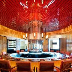 Отель W Seoul Walkerhill бассейн