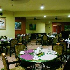 Отель Altamont Court Hotel Ямайка, Кингстон - отзывы, цены и фото номеров - забронировать отель Altamont Court Hotel онлайн питание фото 2