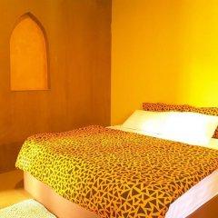 Отель Bee Sleep Hostel & Nana Art gallery Таиланд, Паттайя - отзывы, цены и фото номеров - забронировать отель Bee Sleep Hostel & Nana Art gallery онлайн ванная фото 2