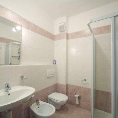 Отель Residence Isolino Италия, Вербания - отзывы, цены и фото номеров - забронировать отель Residence Isolino онлайн ванная фото 2
