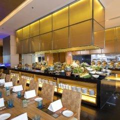 Отель Eastin Grand Hotel Sathorn Таиланд, Бангкок - 10 отзывов об отеле, цены и фото номеров - забронировать отель Eastin Grand Hotel Sathorn онлайн питание фото 2