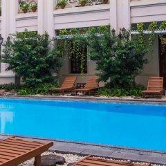 Grand Hotel Saigon бассейн фото 2