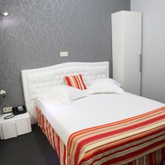 Hotel de France комната для гостей