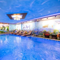 Отель Nuni Homestay Хойан бассейн фото 3