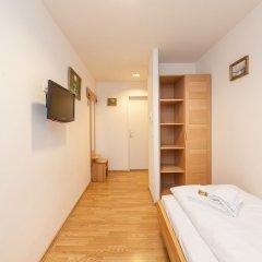 Отель Novum Hotel Kaffeemühle Австрия, Вена - 7 отзывов об отеле, цены и фото номеров - забронировать отель Novum Hotel Kaffeemühle онлайн комната для гостей фото 4