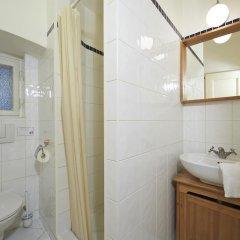 Отель Golden Apple Apartments Чехия, Прага - отзывы, цены и фото номеров - забронировать отель Golden Apple Apartments онлайн ванная фото 2