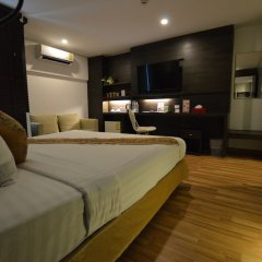 I Residence Hotel Silom сейф в номере