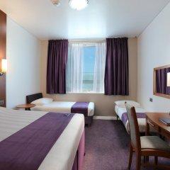 Отель Premier Inn Dubai International Airport комната для гостей