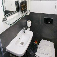 Отель Budget Hotel Flipper Нидерланды, Амстердам - 2 отзыва об отеле, цены и фото номеров - забронировать отель Budget Hotel Flipper онлайн ванная фото 2