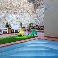 Отель Ten To Go Hostel Испания, Барселона - отзывы, цены и фото номеров - забронировать отель Ten To Go Hostel онлайн бассейн фото 3