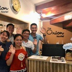 Отель The Onion Hostel at Flower Market Таиланд, Бангкок - отзывы, цены и фото номеров - забронировать отель The Onion Hostel at Flower Market онлайн гостиничный бар