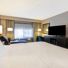 Отель Hampton Inn & Suites Los Angeles Burbank Airport Лос-Анджелес удобства в номере фото 2