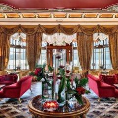Отель Grand Hotel Tremezzo Италия, Тремеццо - 2 отзыва об отеле, цены и фото номеров - забронировать отель Grand Hotel Tremezzo онлайн интерьер отеля