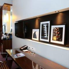 Отель Crowne Plaza Amsterdam South сейф в номере