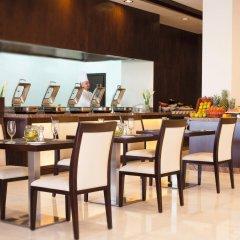 Movenpick Hotel Apartments Al Mamzar Dubai питание фото 3
