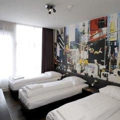 Отель Tourist Inn Budget Hotel - Hostel Нидерланды, Амстердам - 1 отзыв об отеле, цены и фото номеров - забронировать отель Tourist Inn Budget Hotel - Hostel онлайн детские мероприятия фото 3
