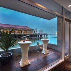 The Fullerton Bay Hotel Singapore балкон