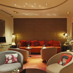 Отель Hôtel Westside Arc de Triomphe развлечения