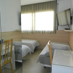 Отель Hostal House фото 4