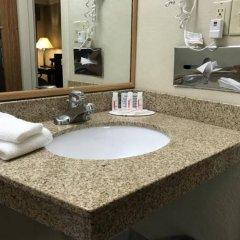 Отель Days Inn by Wyndham Bloomington West США, Блумингтон - отзывы, цены и фото номеров - забронировать отель Days Inn by Wyndham Bloomington West онлайн ванная