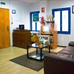 Отель Pensión Ayuntamiento Испания, Аликанте - отзывы, цены и фото номеров - забронировать отель Pensión Ayuntamiento онлайн интерьер отеля фото 2