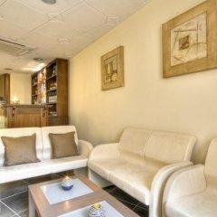 Отель Euro Guest House Мальта, Гзира - отзывы, цены и фото номеров - забронировать отель Euro Guest House онлайн интерьер отеля фото 3