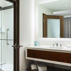 Отель Hampton Inn & Suites Santa Monica США, Санта-Моника - отзывы, цены и фото номеров - забронировать отель Hampton Inn & Suites Santa Monica онлайн ванная
