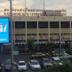 Отель Padi Madi Guest House Бангкок парковка