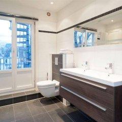 Отель The Leidse Square Stay ванная фото 2
