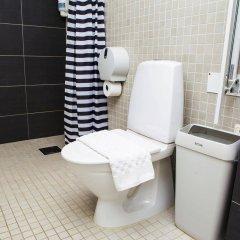 Отель Hotell Årstaberg Швеция, Аарста - 1 отзыв об отеле, цены и фото номеров - забронировать отель Hotell Årstaberg онлайн ванная