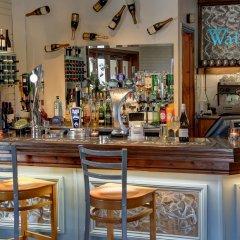 Best Western Plus Milford Hotel гостиничный бар