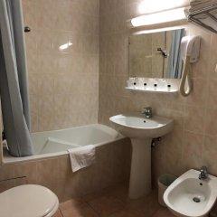 Отель Busby Франция, Ницца - 2 отзыва об отеле, цены и фото номеров - забронировать отель Busby онлайн ванная фото 2