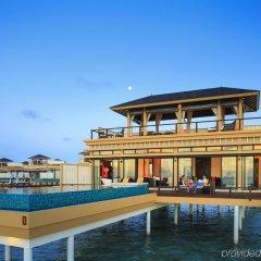 Отель Angsana Velavaru Мальдивы, Южный Ниланде Атолл - отзывы, цены и фото номеров - забронировать отель Angsana Velavaru онлайн Южный Ниланде Атолл  бассейн фото 2