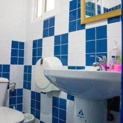 Отель Pensión Ayuntamiento Испания, Аликанте - отзывы, цены и фото номеров - забронировать отель Pensión Ayuntamiento онлайн ванная фото 2