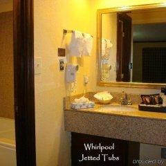 Отель Quarters Inn & Suites ванная фото 2