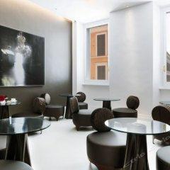 Отель Piazza di Spagna 9 Luxury B&B and Art Gallery Италия, Рим - отзывы, цены и фото номеров - забронировать отель Piazza di Spagna 9 Luxury B&B and Art Gallery онлайн гостиничный бар фото 2