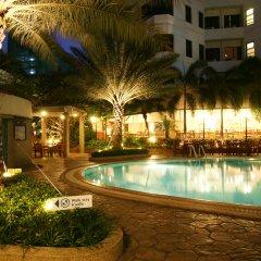 Отель Grand Diamond Suites Hotel Таиланд, Бангкок - отзывы, цены и фото номеров - забронировать отель Grand Diamond Suites Hotel онлайн бассейн