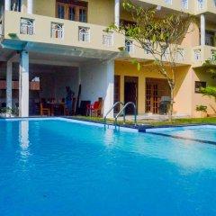 Отель Sholay Villa Шри-Ланка, Галле - отзывы, цены и фото номеров - забронировать отель Sholay Villa онлайн бассейн