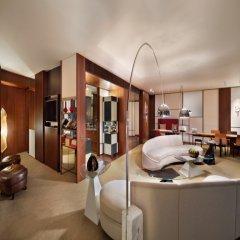 Отель Andaz Tokyo Toranomon Hills - a concept by Hyatt Япония, Токио - 1 отзыв об отеле, цены и фото номеров - забронировать отель Andaz Tokyo Toranomon Hills - a concept by Hyatt онлайн интерьер отеля фото 2
