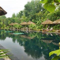 Отель Pilgrimage Village Hue Вьетнам, Хюэ - отзывы, цены и фото номеров - забронировать отель Pilgrimage Village Hue онлайн приотельная территория фото 2