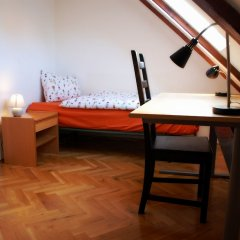 Апартаменты Generous Attic Apartment Прага удобства в номере
