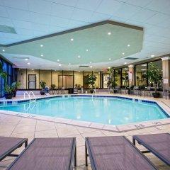 Отель Crowne Plaza Hotel-Newark Airport США, Элизабет - отзывы, цены и фото номеров - забронировать отель Crowne Plaza Hotel-Newark Airport онлайн бассейн фото 2