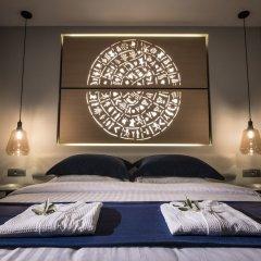Отель LAVRIS City Suites сейф в номере