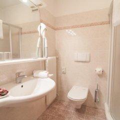 Отель Braunsbergerhof Италия, Лана - отзывы, цены и фото номеров - забронировать отель Braunsbergerhof онлайн ванная фото 2